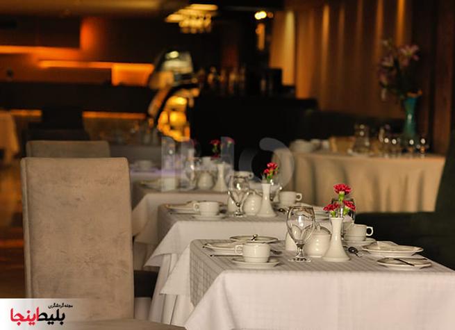 رستوران های هتل هما شماره یک مشهد واقع در میدان احماباد مشهد