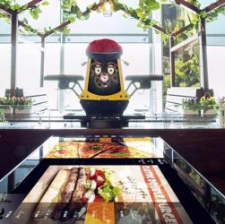 اولین رستوران رباتیک در ایران ، رستوران روبوشف تهران